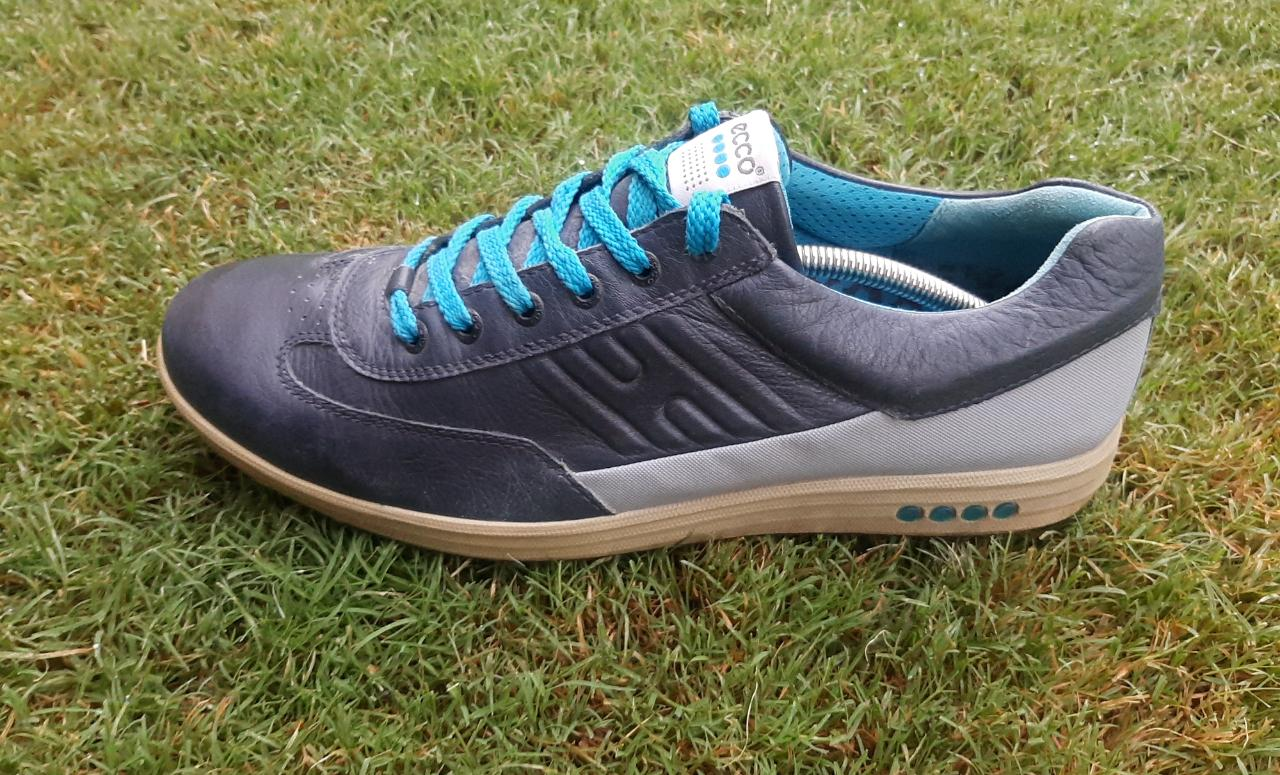 ECCO SPIKELESS GOLF SHOES – EUR 45