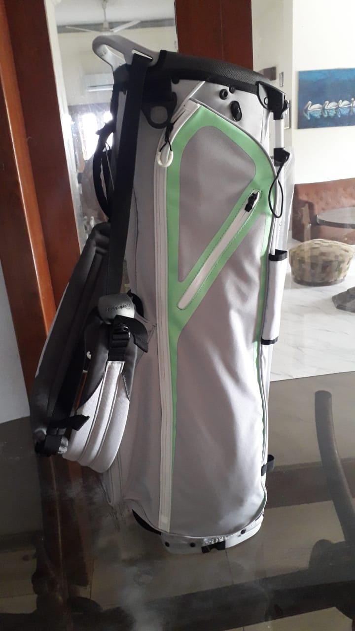 TaylorMade FlexTech Lite Golf Stand Bag 2020